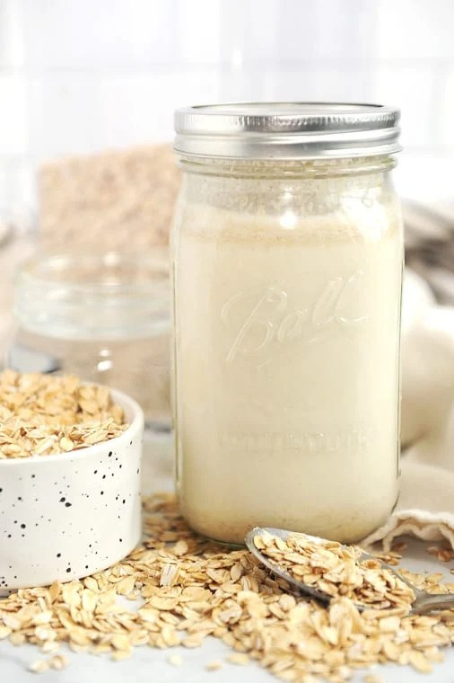 homemade oat milk recipe. how to make diy oat milk for a smoothie, latte, creamer, ice cream, or chia pudding