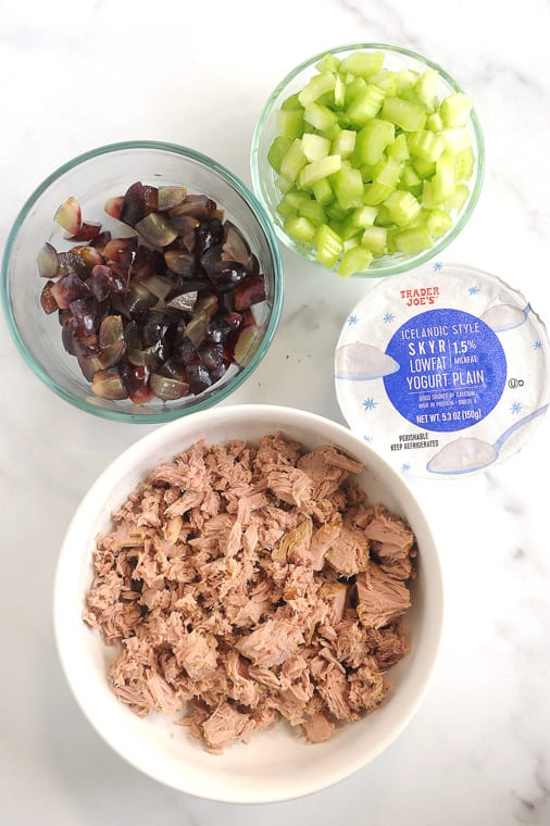 Tuna salad with greek yogurt is an easy lunch recipe to take to work! Quick to make, this healthytuna salad recipe with no mayo is perfect to make ahead.