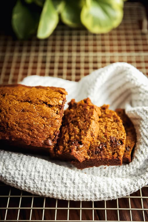Healthy moist zucchini bread recipe with chocolate chips. Easy to make healthy zucchini bread