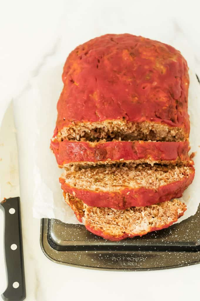 easy healthy homemade meatloaf made with beef and turkey.  Momma Fit Lyndsey shares her best grandma's meatloaf recipe with ranch seasoning and is perfect for dinner or made into a sandwich. How to make old fashioned meatloaf with a modern twist!
