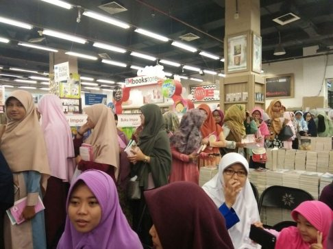 Meet and Greet with the Authors Salihah Mom's Diary-8