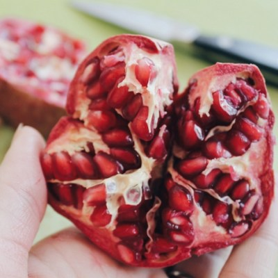 6 Insider Tips to Enjoy Pomegranates
