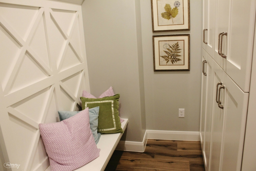 mudroom. Parade of homes 2017 tour. Young mom's look at the st george parade of homes. 2017 Parade of homes.