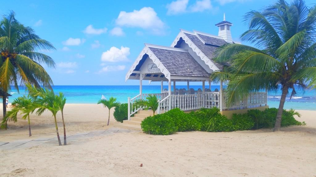 Jewel Runaway Bay beach