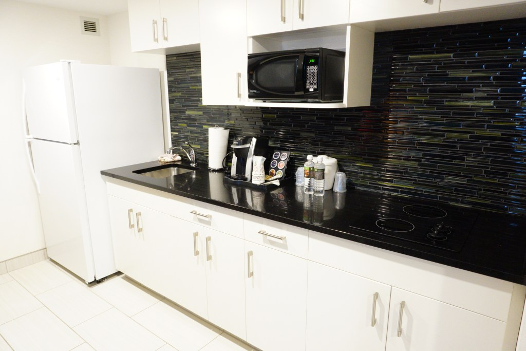 Rooms at the Holiday Inn Winnipeg Airport West for families