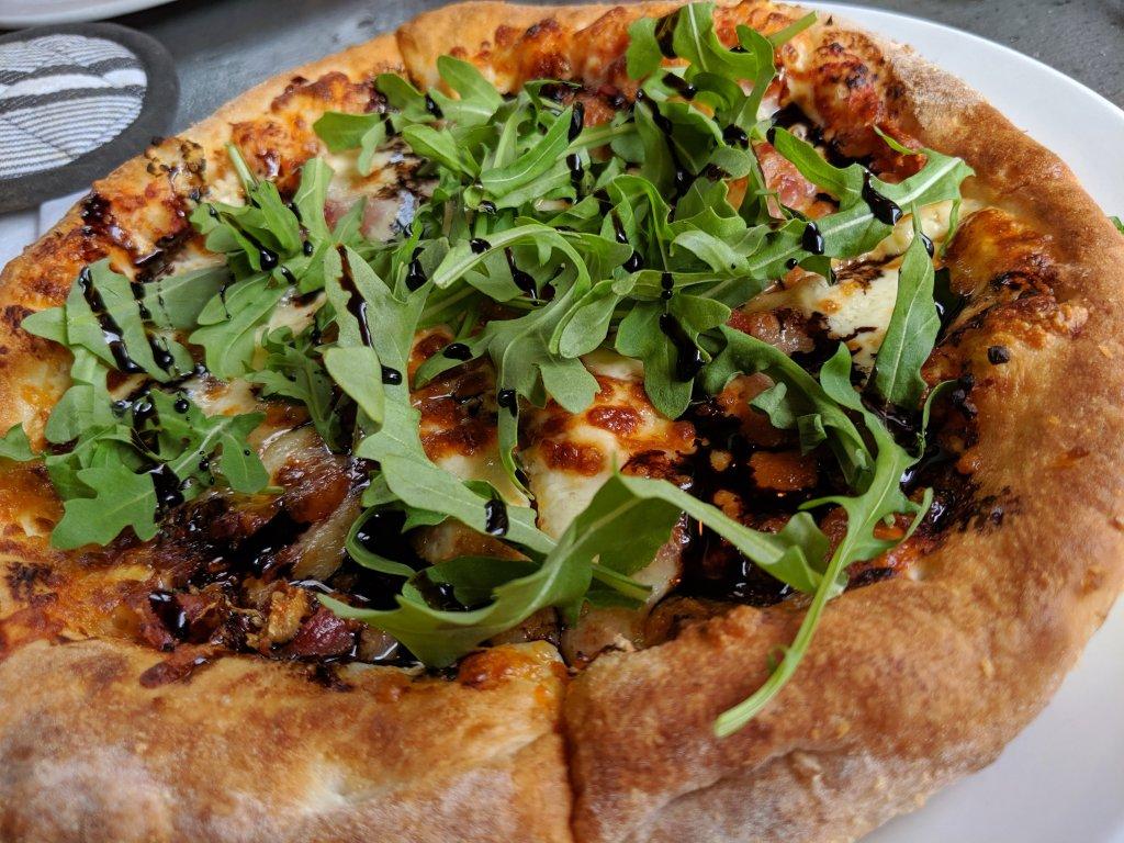 best pizza mont tremblant
