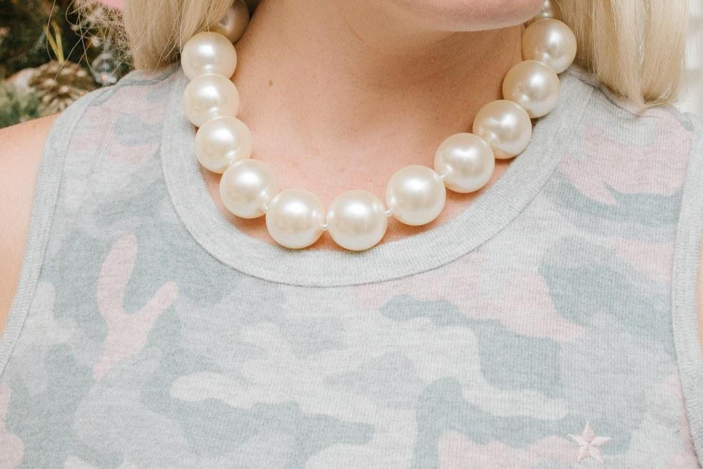 hot-girls-pearls
