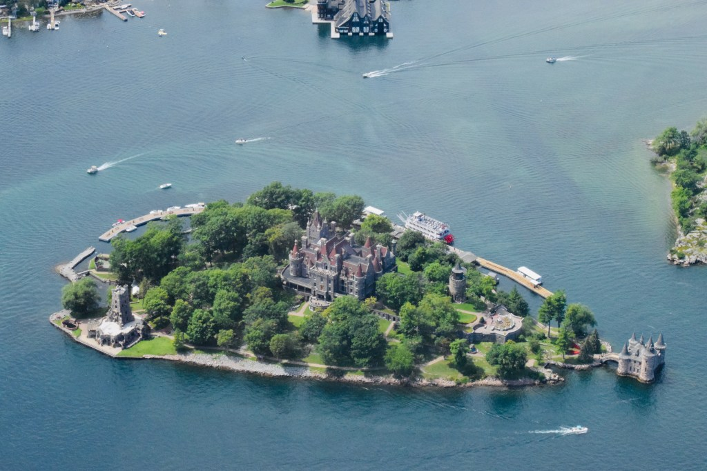 1000-islands-helicopter-tour