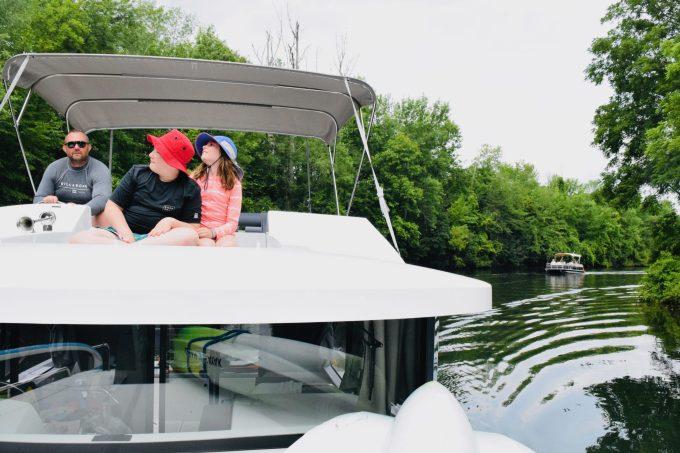 houseboat rental in ontario