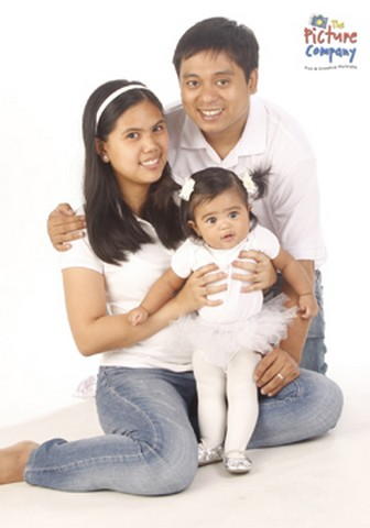Momtrepreneur Angel with her family