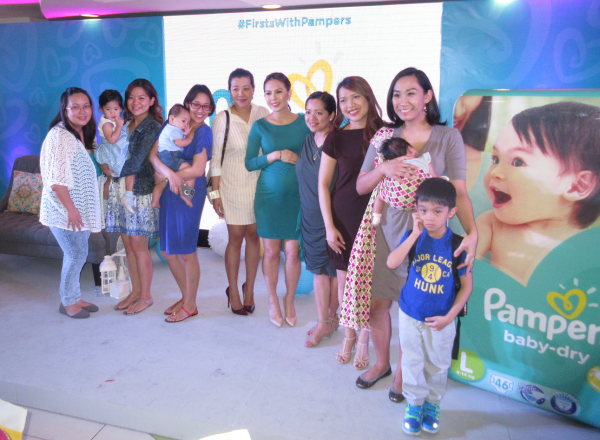 Mom digital ambassadors of Pampers with Ms. Andi Manzano (L-R: Roxi Santiago, Ginger Arboleda, Frances Sales, Jane Kingsu-Cheng, Shen Cala-or, Nikki Tiu and Martine de Luna; Missing is Neva Santos)