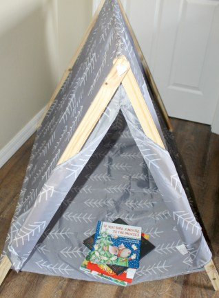 tent-and-books-to-read