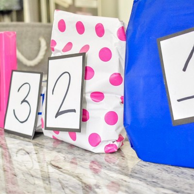 Pregnancy Gifts for First Time Moms: A DIY Monthly Pregnancy Box