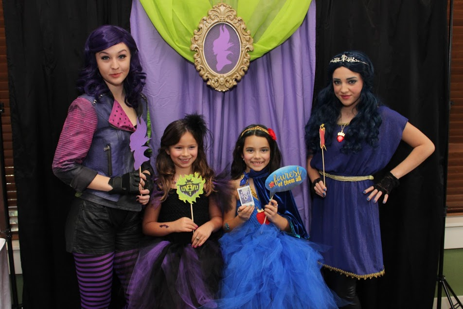 Descendants Costumes for Halloween DIY