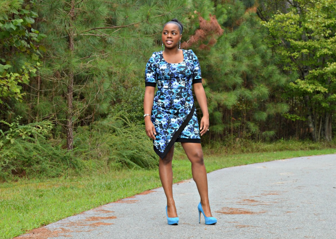 Blue flower dress- blue dress- blue shoes- Jessica Simpson Shoes- Happy black woman