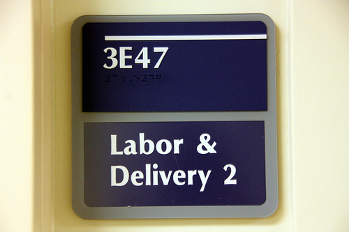 Resultado de imagem para pregnancy labor room