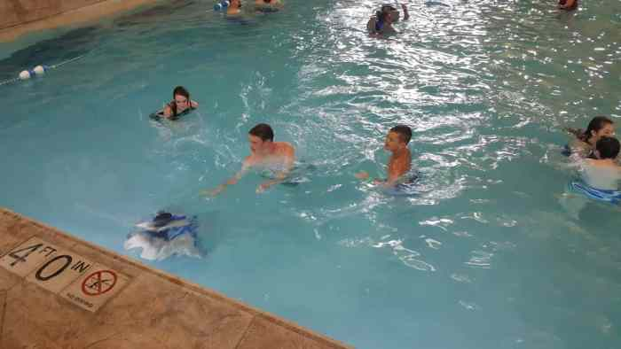 great wolf lodge slap tail pond wave pool