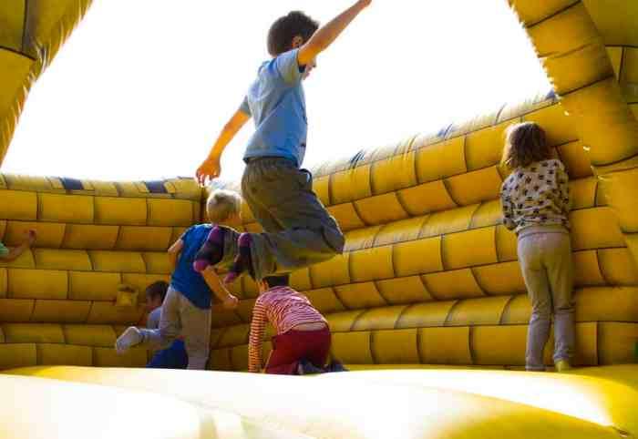 Here Are 5 Fun Games Your Kids Can Play in a Bouncy Castle