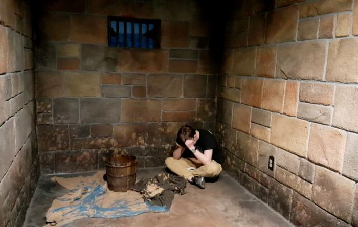 alcatraz east jail cell