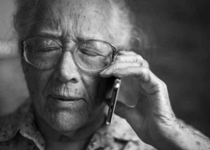 Top 4 Mobile Phones For The Elderly