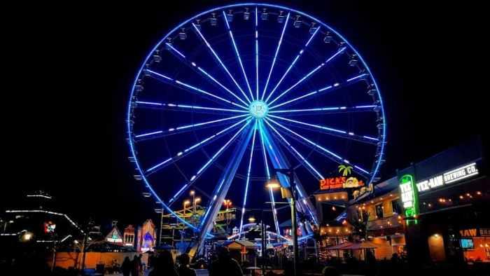 the wheel in blue