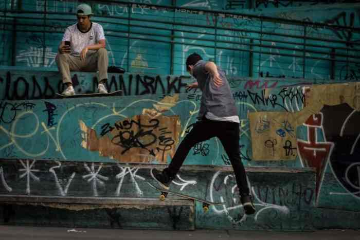 Skateboarding is definitely one of the most popular sports among millennials and with good reason; check out these 5 benefits of skateboarding!