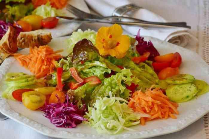 How to Keep Salad Fresh