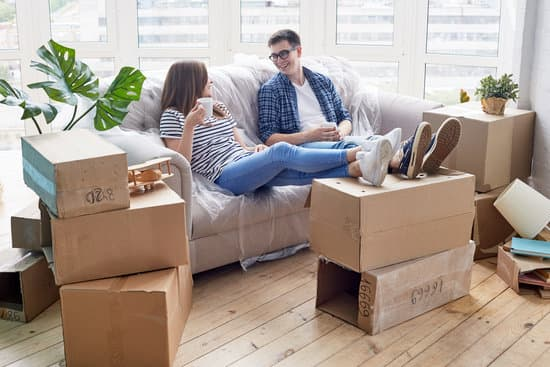 the factors that you should consider as you are creating a budget for your relocation before starting your search for a professional moving company to aid with your relocation.