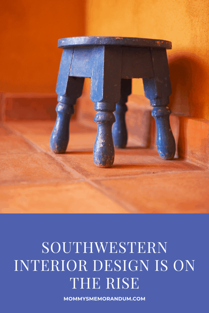 Southwestern style has embraced modern architecture in homes, facilitating a striking contrast between the traditional and the contemporary elements.