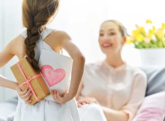 thoughtful gift ideas for mom