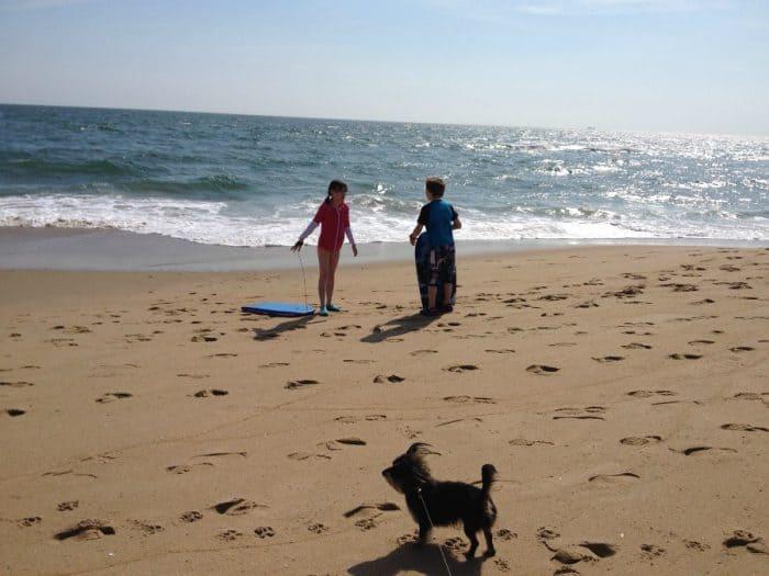 bailey-mae-at-the-beach
