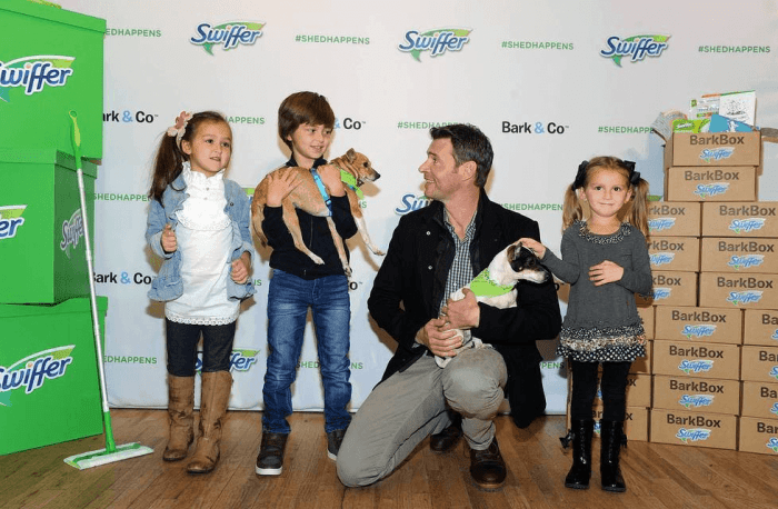 scott foley at the Swiffer BarkBox event