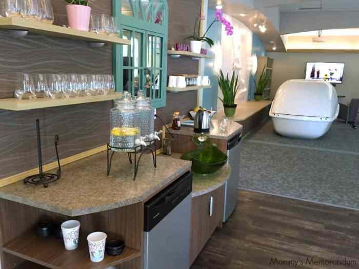 aquafloat refreshments in lobby