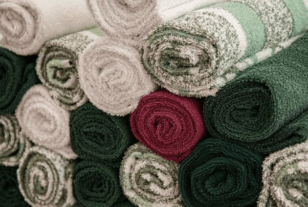 bath towels rolled