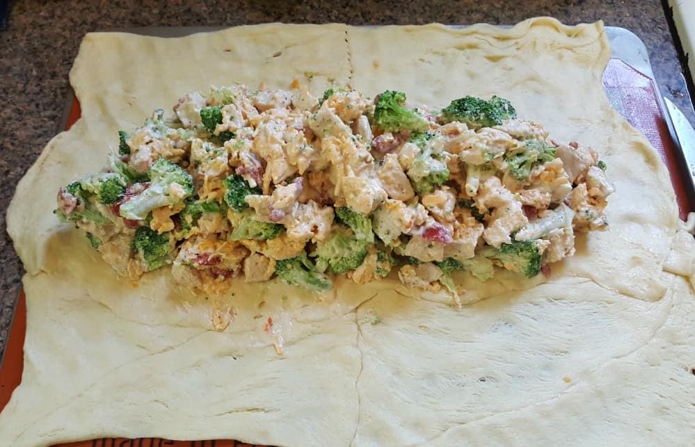 broccoli cheese chicken bake recipe adding the filling