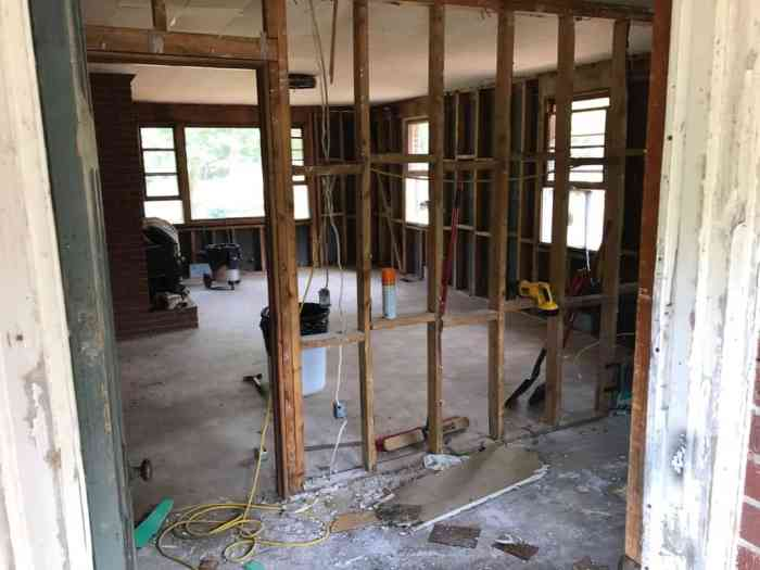 dad's house demolition taking out the walls of the great room