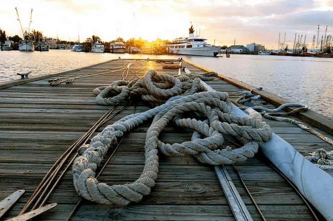 #discoverBoating grab the rope