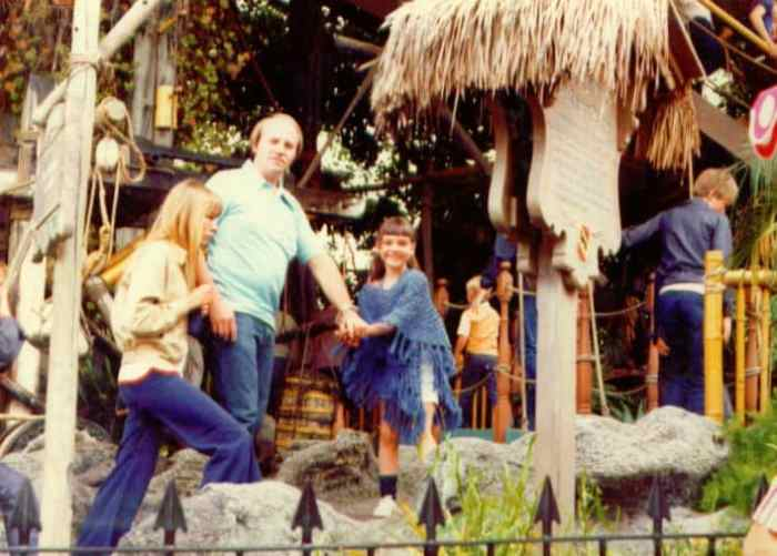 fathers and daughters at disney
