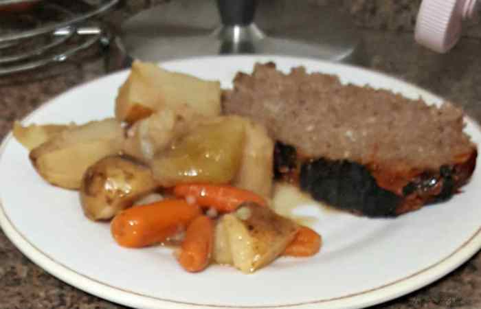 instant pot-meatloaf-with-potatoes-and-carrots, easy instant pot meatloaf, pressure cooker meatloaf