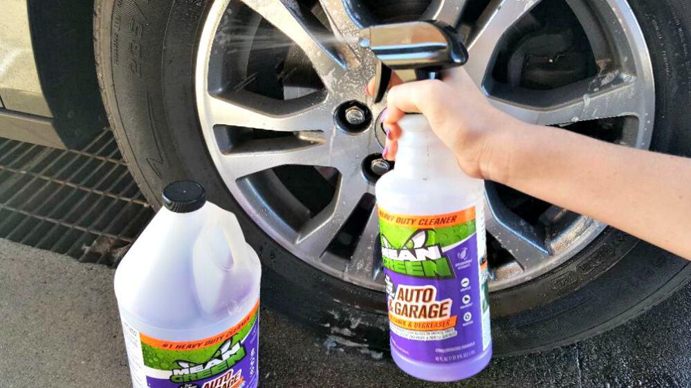 mean green auto and garage spray bottle
