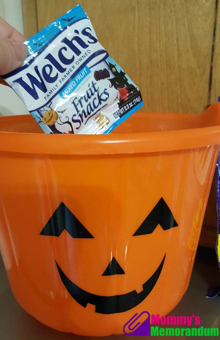 welchs-fruit-snacks-one-for-every-trick-or-treater