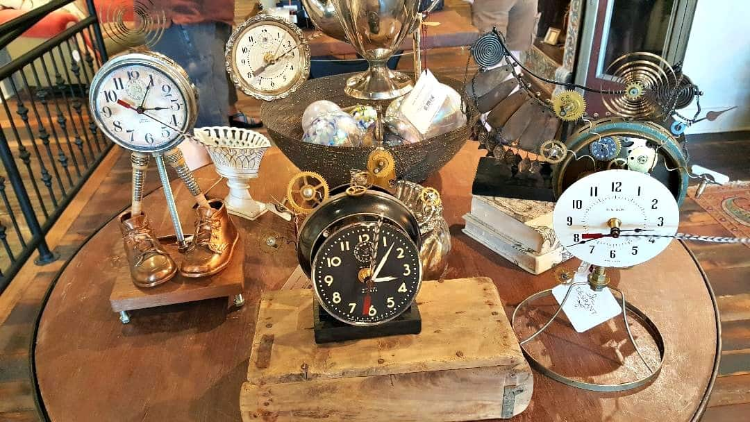 windsor boutique hotel shop next door clocks