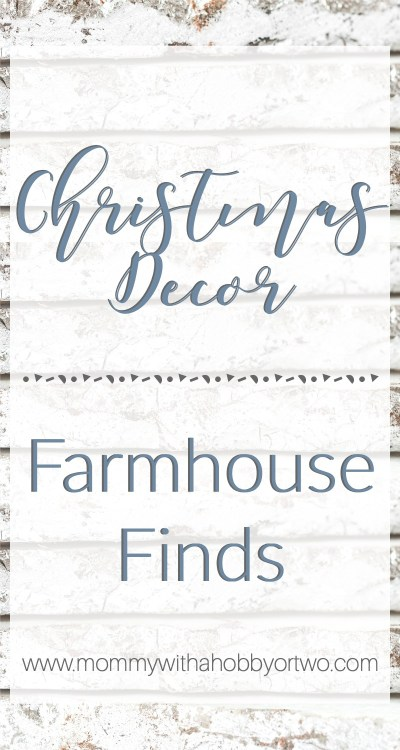 I've gathered a few of my favorite vintage farmhouse Christmas decor gathered up to share with you.