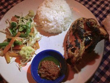 JB'Sレストランのアヤムバカール
