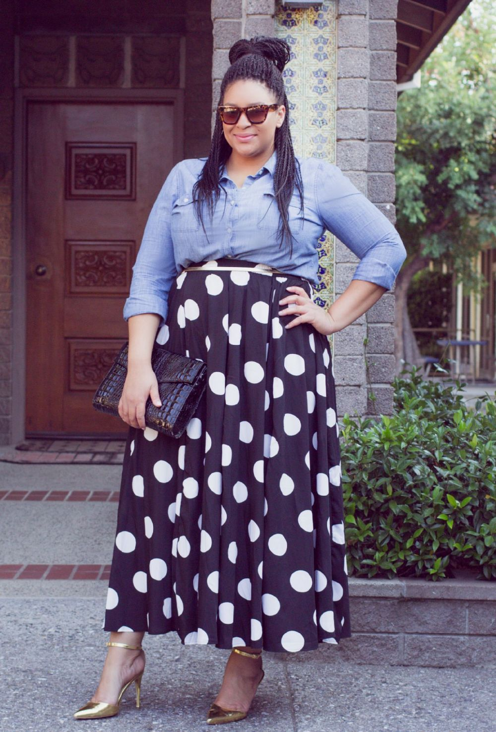 Resultado de imagen de POLKADOT DRESS OVER DENIM