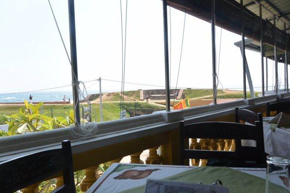 ゴールの砦近くのレストランでランチ
