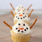 Easy Holiday Baking Snowman Cupcakes