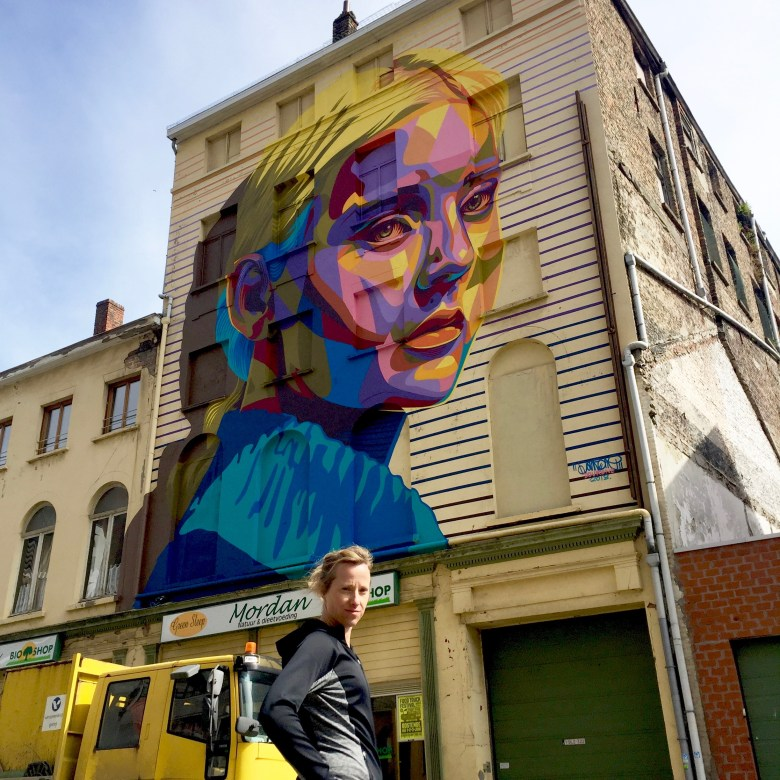Moms Run The City, lopen in Oostende met Jean Coens, streetart The crystal Ship