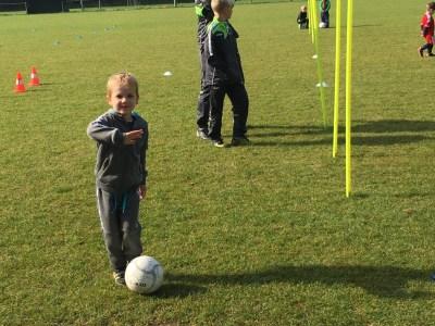 Alexander voetbalt… en ik ken er duidelijk niks van.