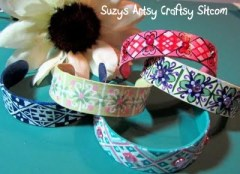 http://suzyssitcom.com/2011/04/feature-friday-popsicle-bracelets.html